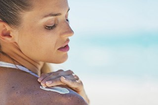 Fear, not information, motivates sunscreen users