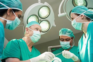 Chronic Pain Is More Likely for Women Who Undergo Armpit Lymph Node Surgery for Breast Cancer