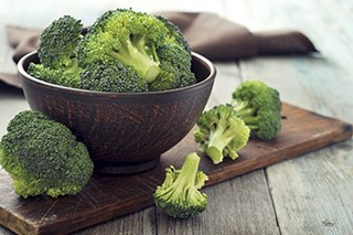 A natural phytochemical found in broccoli may help lower the risk of metastasis in women with triple-negative breast cancer.