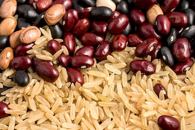 Beans, Whole Grains in Diet Beneficial for Colorectal Cancer Survivors