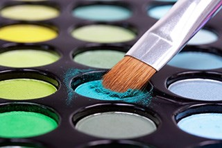 A partnership with cosmetics helps rebuild positive body images in patients with cancer