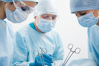 Primary Cytoreductive Surgery for HGSC Offers Better Survival Than Neoadjuvant Chemotherapy