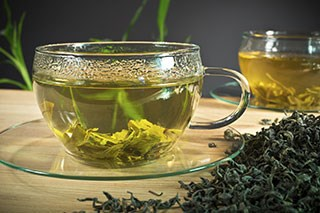 Polyphenols in green tea may interfere with this cancer therapy
