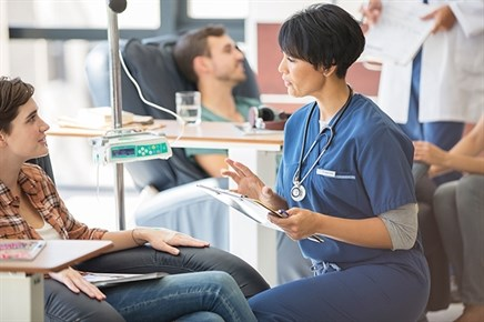 Patient Support Program Provides Diversions During Chemotherapy Infusions
