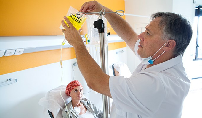 Risk of Chemotherapy-Induced Neuropathy in Early Stage Breast Cancer Not Age-Related